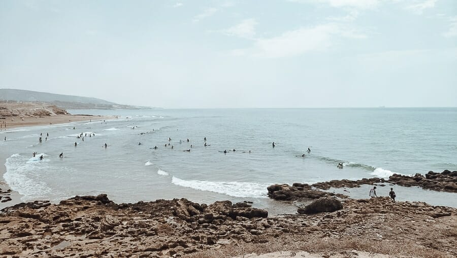 Taghazout plage surf devils rock